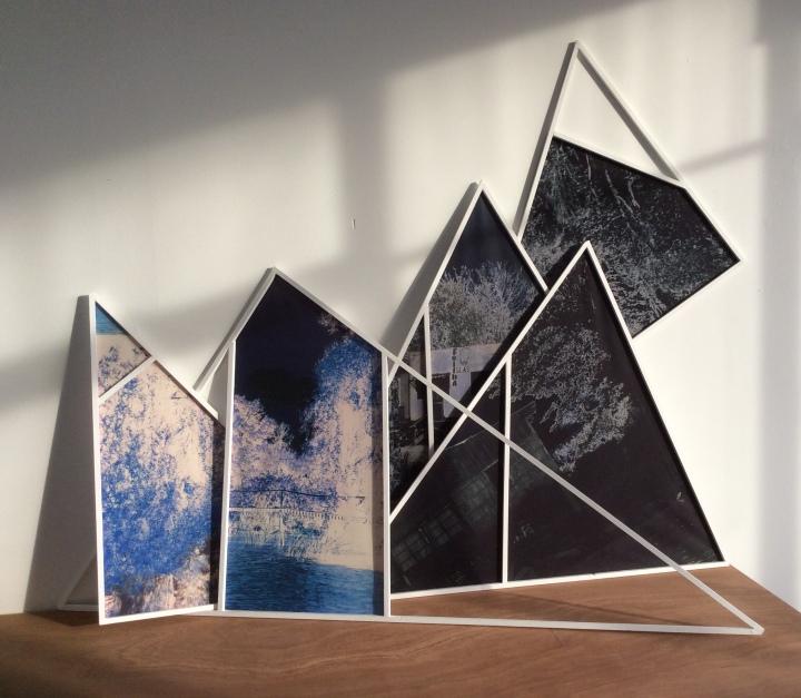 black-bluetriangles11